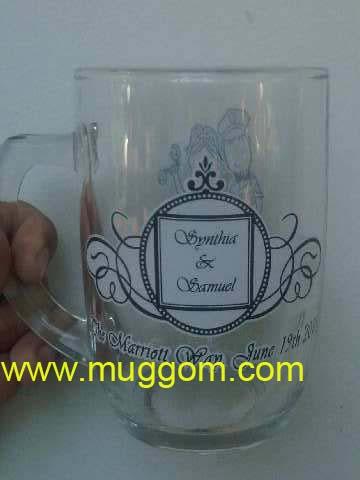 Gelas bening souvenir ini untuk souvenir kedua mempelai Synthia dan